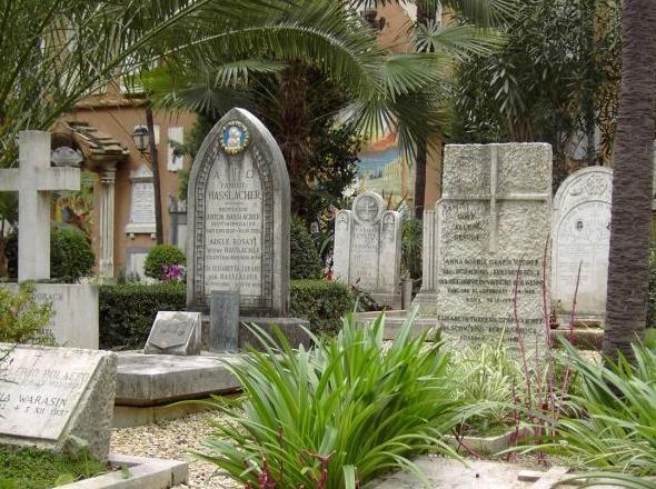 https://tourinthecity.com/wp-content/uploads/2019/10/vatican-tombs.jpg